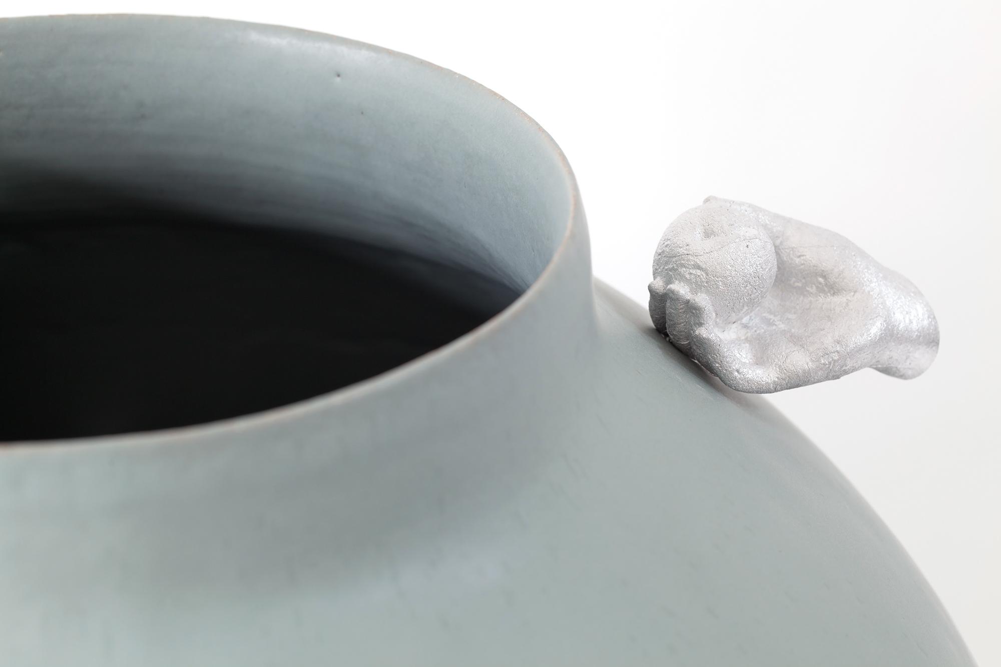 Del Harrow, vase (alum) 02, 2021